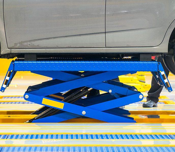 How Do Scissor Lifts Work?